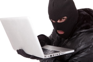A bandit writing negative employer reviews online